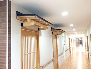 浴室入口の木製後付ガルバリウム庇4